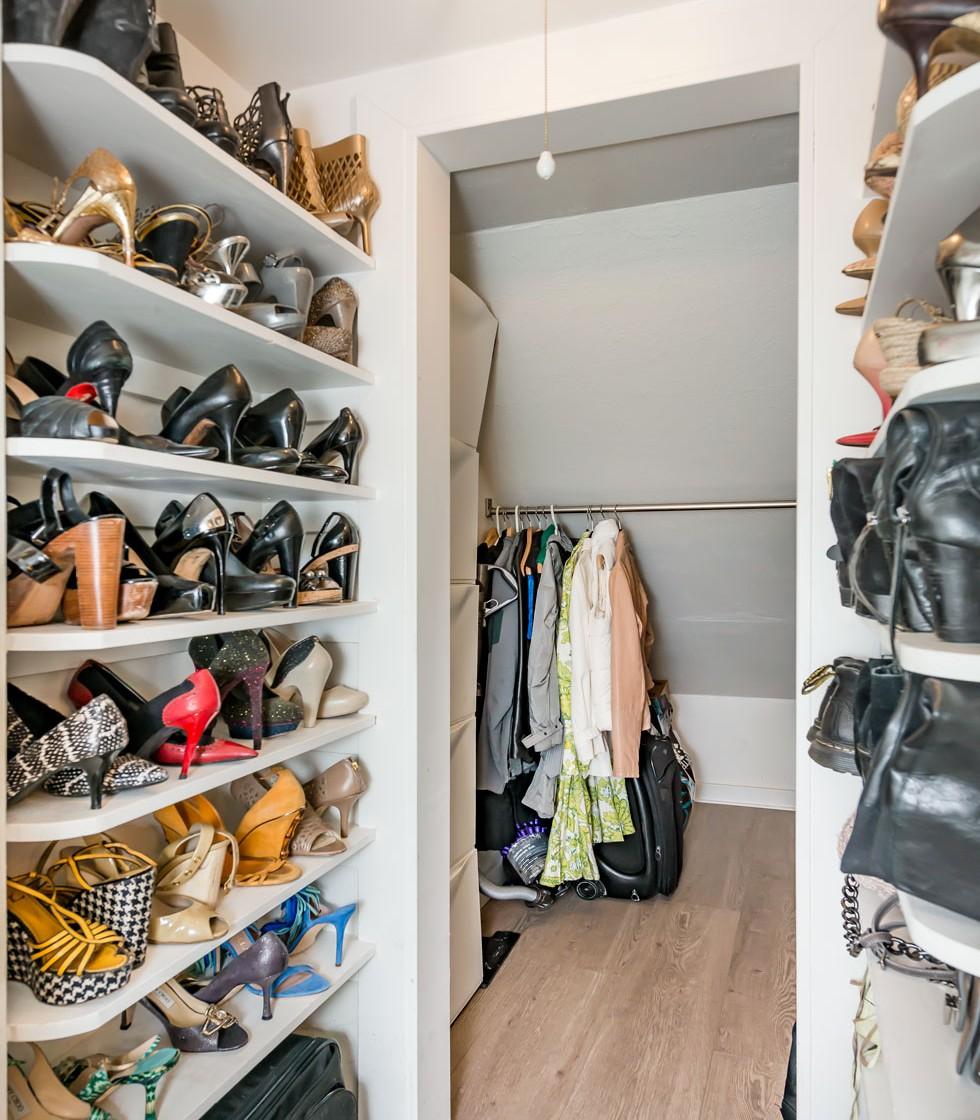 1817CA_closet