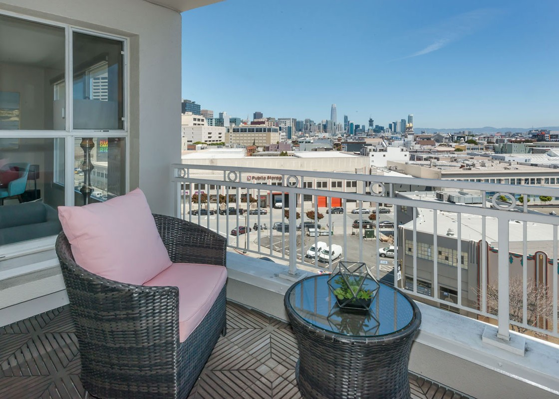 140_SouthVanNess_Balcony-viewp-1