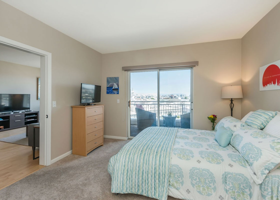 140_SouthVanNess_Bed-1