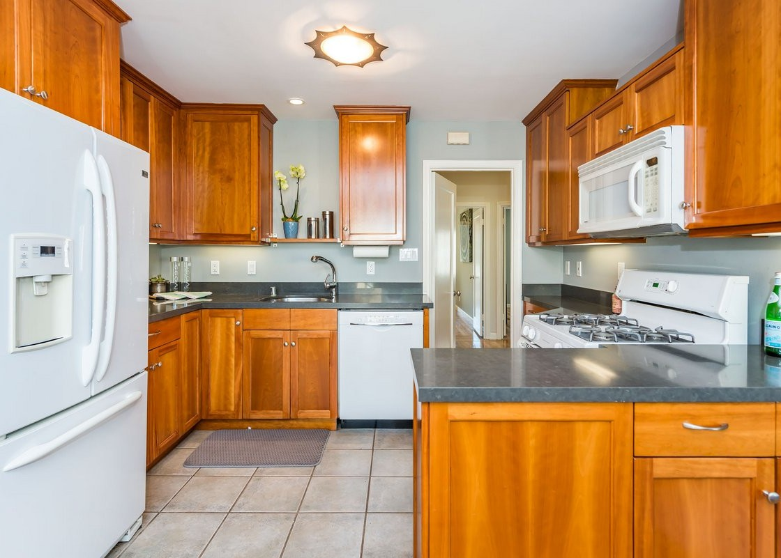 4299moraga_kitchen2