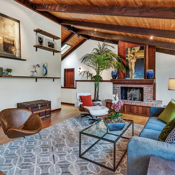 03_60Hillside_Living room-010