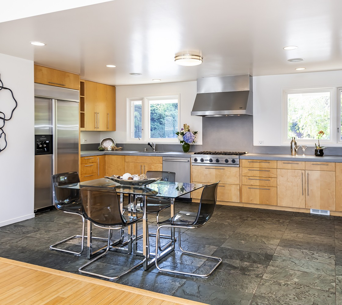 24_540_Pullman_kitchen_3