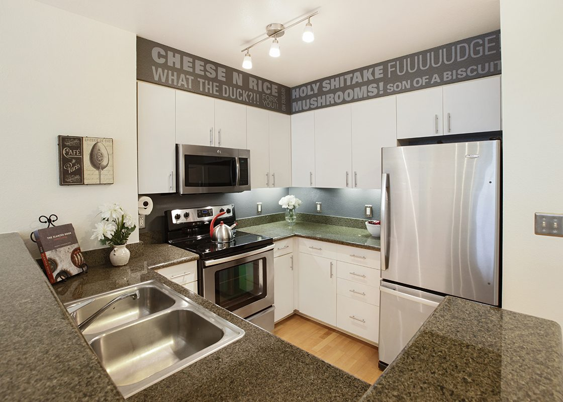 8400Oceanview113 Kitch3